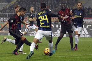 Internazionale pakte dankzij een late treffer een punt bij AC Milan. © Reuters