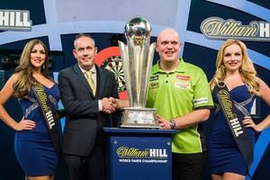 Michael van Gerwen is weer wereldkampioen. © Matty van Wijnbergen